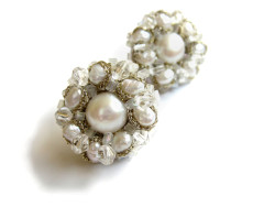 white pearl cluster earrings (2)